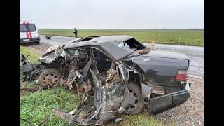 Фото Автоледи на Мерседесе превысила скорость и попала в смертельное ДТП с Фурой в Речицком районе