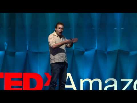 A talk about crap: André Soares at TEDxAmazonia