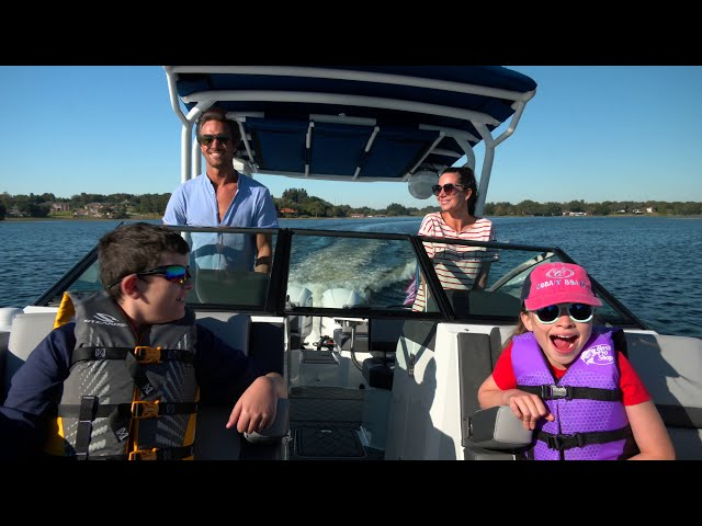 Cobalt R8 Outboard Product Tour