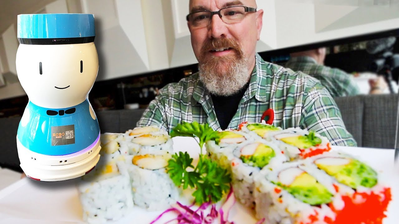 ROBO Sushi ????????????  Canada's First Restaurant with Robot Servers