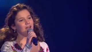 Шоу Голос Девочка заставила судей плакать  Зал в ШОКЕ  Шоу Голос