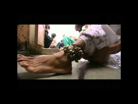 documentary -ek tha lal pari (eng subs)- love story of a eunuch and a auto rickshaw driver.