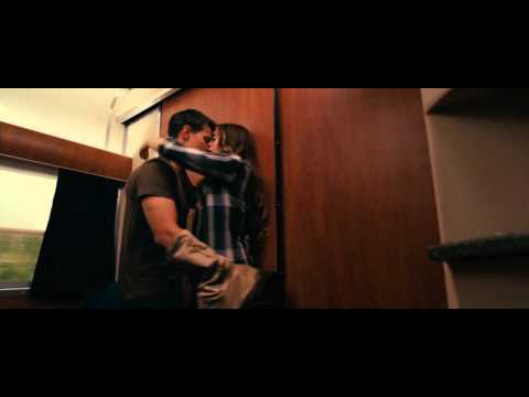 Abduction Kiss  Taylor Lautner & Lily Collins