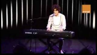 stuck in the middle -mika -live