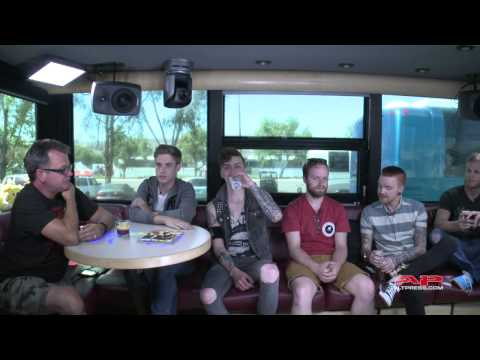 @lennonbus: AP Cover Stars Live Chat #1 from Warped Tour