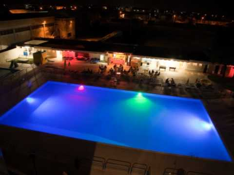 Iluminaci n de colores en piscinas con leds youtube - Luces para piscinas ...