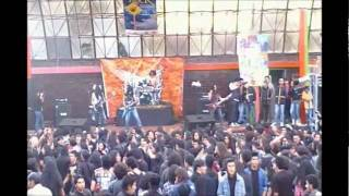 Muerto en pogo (Wall of Death)-Perpetual Warfare- en vivo Bosa la escena del rock