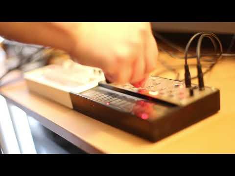 """""""Oil Panic"""" Korg Volca Keys + Korg Volca Sample Demo"""