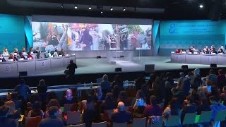 Performance on Iranian women's role in the 2009 uprising