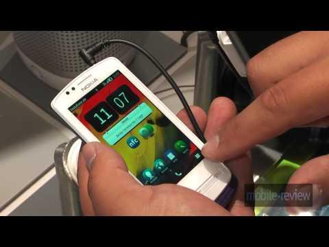 Nokia 700 Demo