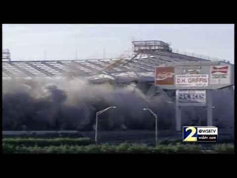 RAW VIDEO: Fulton County Stadium implosion in 1997