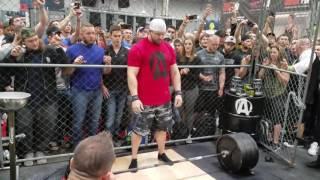 Misha Koklyaev & Pete Rubish beltless deadlift in the Animal Pak Cage 2017