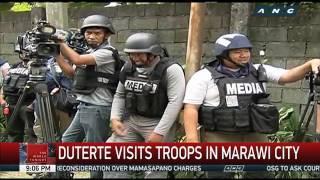 Duterte visits troops in Marawi City