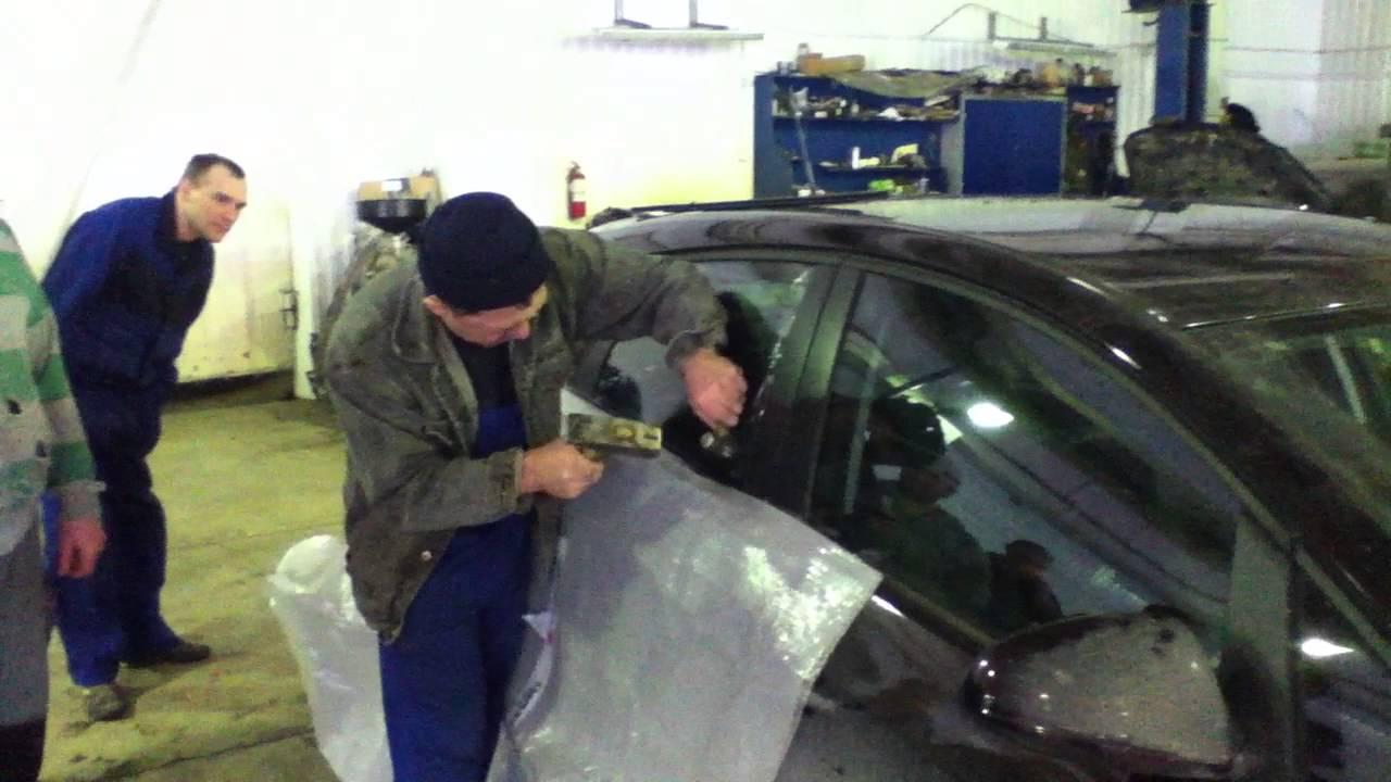 Opel Astra J Разбиваем стекло