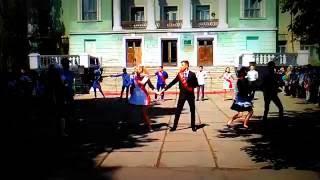 Вальс...11 класс...Красный Луч(Вальс...11 класс....ООШ11..Красный Луч...Луганская область...ЛНР...25.05.16г., 2016-05-29T10:52:14.000Z)