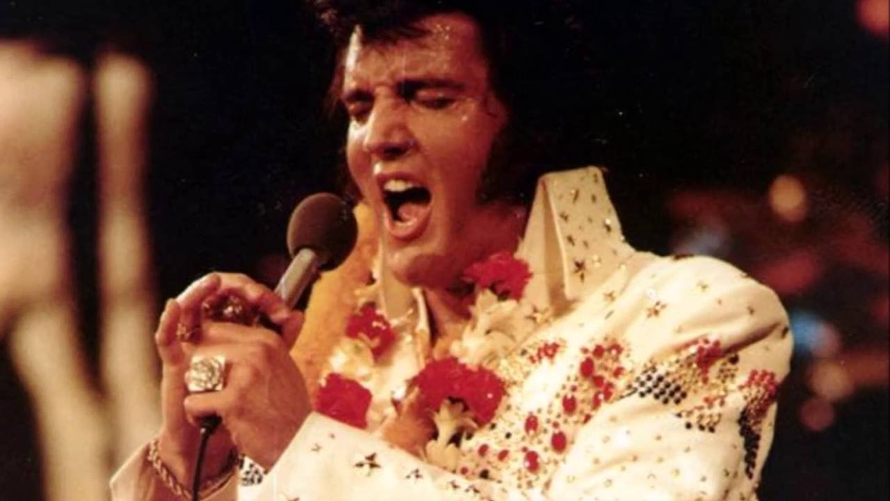 Elvis Aloha Tribute Rings, Horseshoe, Kenpo - YouTube