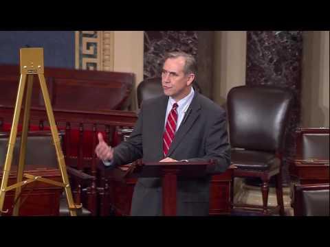 Merkley to Trump: Repudiate Hate Attacks and Immediately Fire Bannon (FULL)