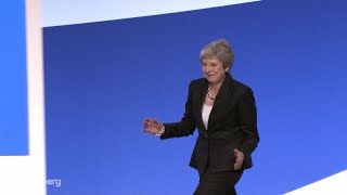 Baixar Theresa May Jigs at Tory Conference to Abba's `Dancing Queen'