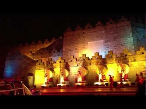 Performance on the river - Two Rivers and Four Lakes Cruise - Guilin (China)