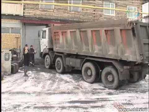 Автомастерская в одном из домов Первоуральска