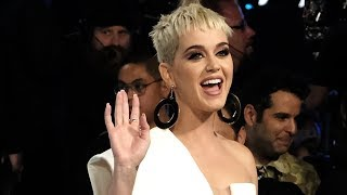 Katy Perry AVOIDS Announcing Taylor Swift's Music Video Debut at MTV VMAs
