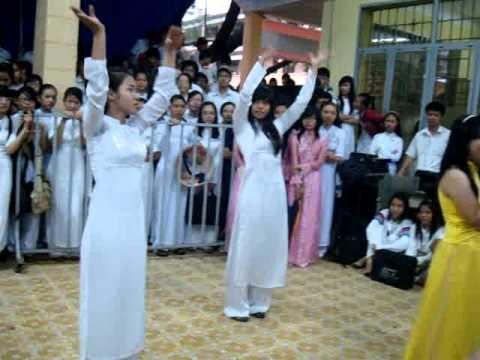 Áo dài ơi (Vòng chung kết) - 10A19 - Trường THPT Nguyễn Công Trứ P.2