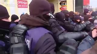 Saakashvili Supporters Scuffle Outside Kiev Court House