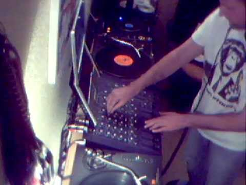 Silent Code 1992 - 1997 Old Skool Jungle Mix. Dustin' Off The Vinyl. 1 Hour.7