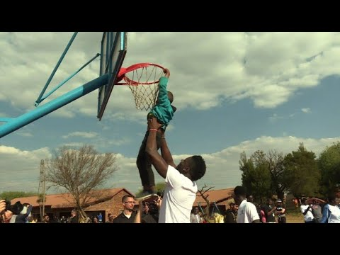 NBA basketball players visit children in Johannesburg township