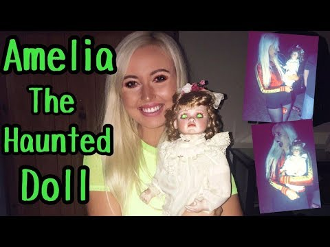 I MET AND HELD THE REAL HAUNTED AMELIA DOLL!!
