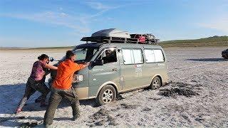 몽골 도착 첫날 캠핑카 문제가 생겼어요. 몽골 현지인과 친구가 되다 - 에피소드 10