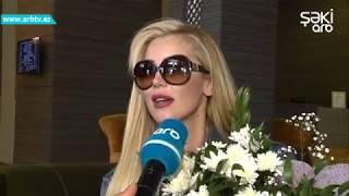 Turkiyenin pop ulduzu Petek Dinchoz Azerbaycanda