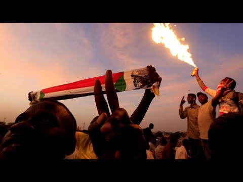 أيقونة الثورة السودانية لـ-يورونيوز-: سنوات حكم البشير أظلم عقود مرت على الشعب السوداني…  - نشر قبل 2 ساعة