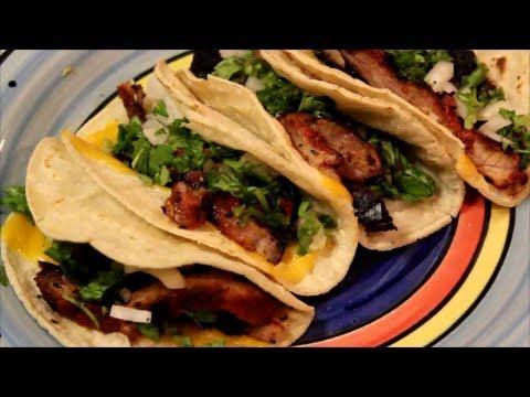 Tacos al Pastor a la Parrilla con Queso Cheddar