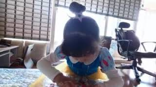 #문쿤가족 /  지윤아 뭐하니? 신데렐라 드레스 입었네…