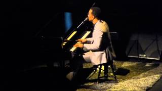 John Legend - Bridge over troubled water (Live @ Barcelona 6 nov 14)