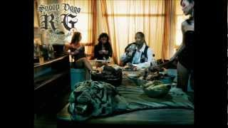 Snoop Dogg - (Intro) I Love To Give You Light