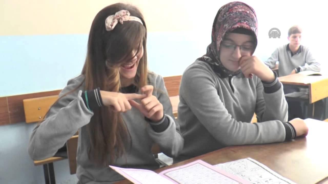 Kur'an Öğretebilmek İçin İşaret Dili Öğrendi - TRT DİYANET