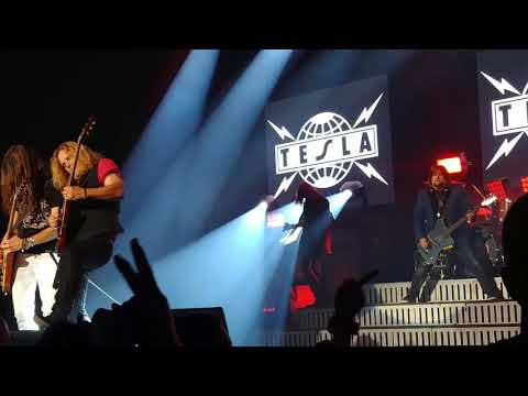 Tesla~Modern Day Cowboy Oct 5, 2017 @ Toyota Music Factory Irving, Tx
