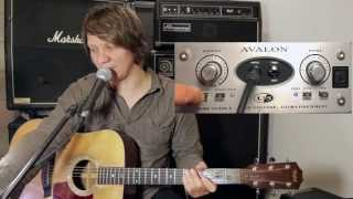 avalon u5 with taylor acoustic guitar