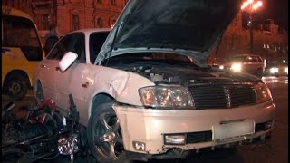 Водитель мопеда врезался во встречную иномарку.MestoproTV