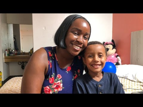 Los Angeles Homeless Family Living In Weekly Rate Hotel