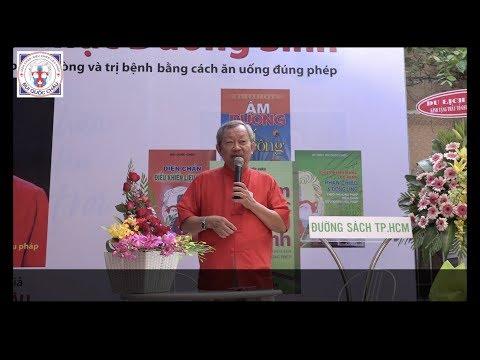 GS Bùi Quốc Châu nói chuyện tại đường Sách TPHCM
