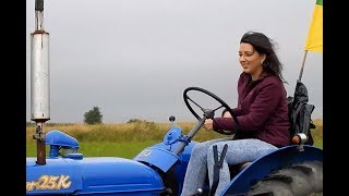 KOBIETY NA TRAKTORY / Women on tractors