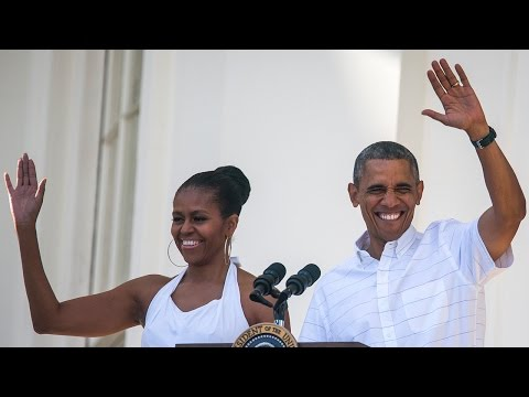 Michelle Obama Shares Sweet Throwback With Barack Sasha and Malia on Father's Day