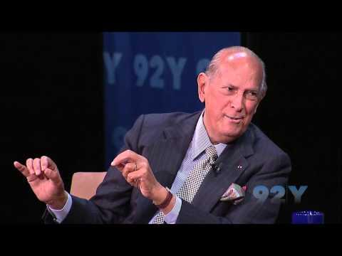 Oscar de la Renta discusses his 2006 cancer diagnosis and recovery
