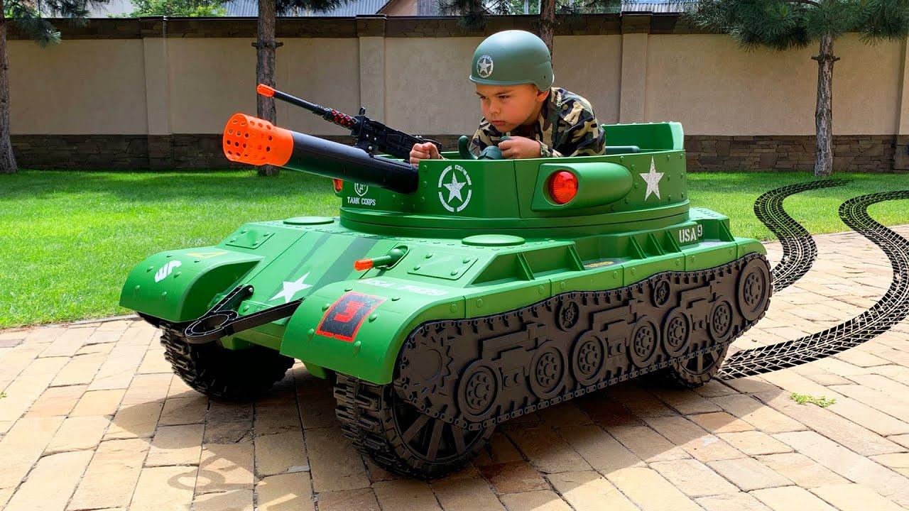 Военный Дима ездит на ТАНКЕ и ловит вора