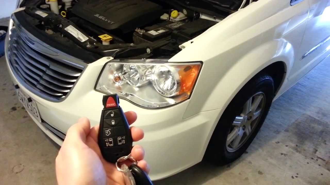 2017 Chrysler Town Country Minivan Testing New Key Fob Battery