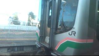 日立木駅を出発する常磐線下りE721系の車窓