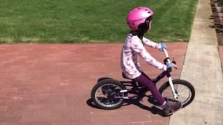 納納在UCSD 騎腳車.